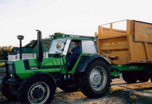 Mais hakselen met een stagair uit canada, foto is uit 1997.. Geplaatst door bikkertie op 02-01-2014 om 18:48:33, op TractorFan.nl - de nummer 1 tractor foto website.