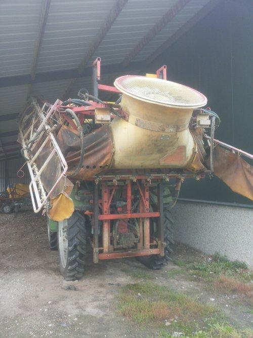 Foto van een Deutz IN-trac, bezig met poseren. te koop. Geplaatst door johndeere 2650 op 18-10-2014 om 12:03:42, op TractorFan.nl - de nummer 1 tractor foto website.