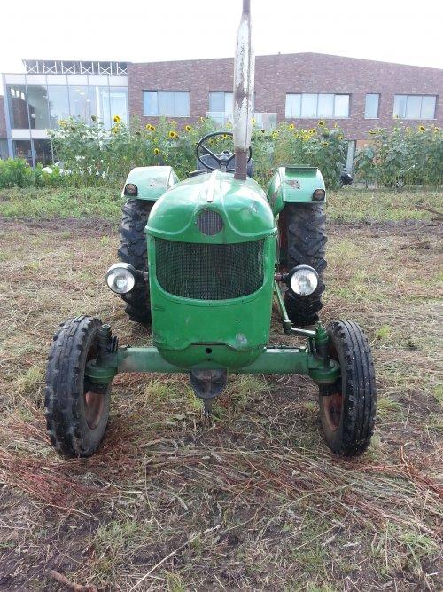 Op de Oogstdag in Overasselt. Deutzke D40S. Geplaatst door DeutzD40S16 op 05-11-2014 om 15:11:00, op TractorFan.nl - de nummer 1 tractor foto website.