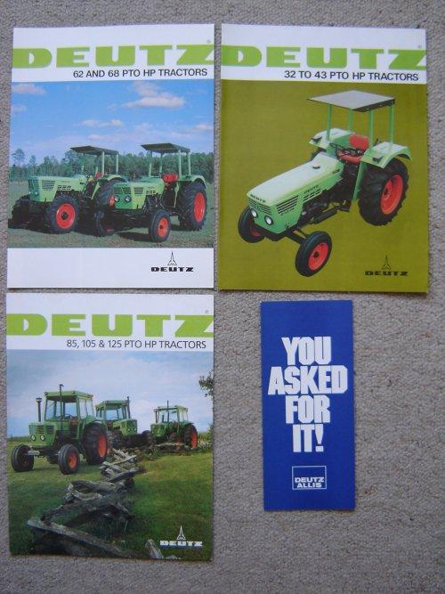 Foto van een Deutz Folder, bezig met poseren.Amerikaanse Deutz folders.. Geplaatst door fendt 590 op 08-03-2015 om 23:38:29, op TractorFan.nl - de nummer 1 tractor foto website.