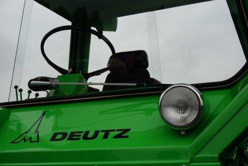 Foto van een Deutz Intrac 2006, druk bezig met Poseren.. Geplaatst door Rozema op 08-08-2015 om 21:51:37, op TractorFan.nl - de nummer 1 tractor foto website.