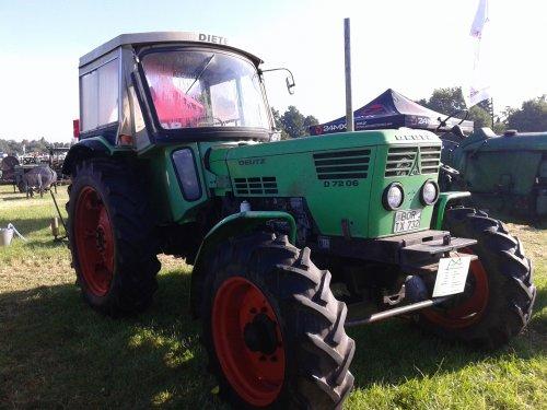 Foto van een Deutz D7806, bezig met poseren. 5 cilinder. Geplaatst door sjonnies op 16-08-2015 om 19:56:23, op TractorFan.nl - de nummer 1 tractor foto website.