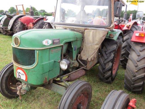 Foto van een Deutz D2505, Panningen2015. Geplaatst door oldtimergek op 11-03-2016 om 21:56:57, op TractorFan.nl - de nummer 1 tractor foto website.