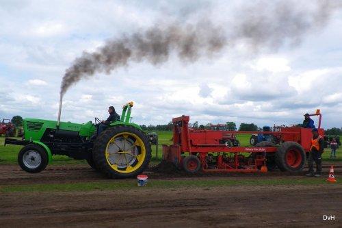 Foto van een Deutz D8006, Trekkertrek Oldtimerclub De Grebbetrekkers.. Geplaatst door janklaas36 op 14-05-2016 om 22:09:16, op TractorFan.nl - de nummer 1 tractor foto website.