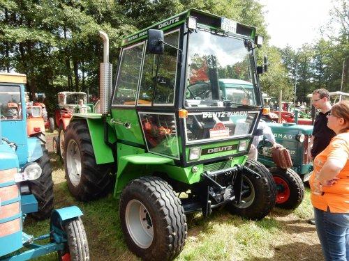 Foto van een Deutz Intrac 2004. Geplaatst door jans-eising op 15-08-2016 om 21:48:58, op TractorFan.nl - de nummer 1 tractor foto website.