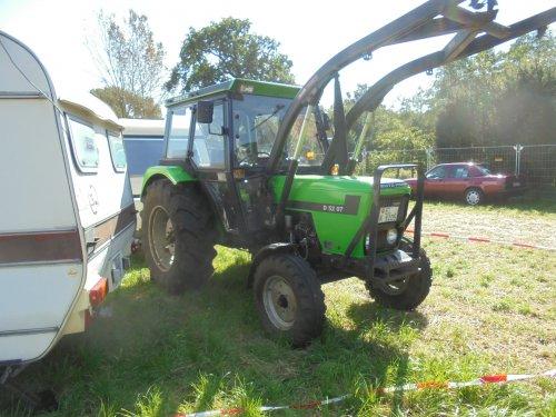 Foto van een Deutz D5207 tijdens de oltimertreffen in Neurhede. Geplaatst door bob de bouwer op 30-09-2016 om 21:26:04, op TractorFan.nl - de nummer 1 tractor foto website.