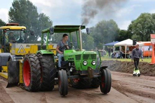 Foto van een Deutz D6206 en weer opweg na een 1e plek in de 2800 en een 3e plek in de 3500. Geplaatst door twand2505 op 11-10-2016 om 20:34:41, op TractorFan.nl - de nummer 1 tractor foto website.