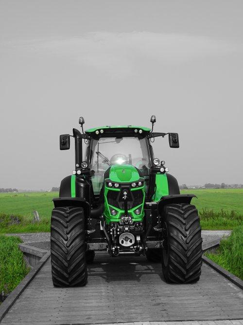 Picture Deutz-Fahr Agrotron 6215