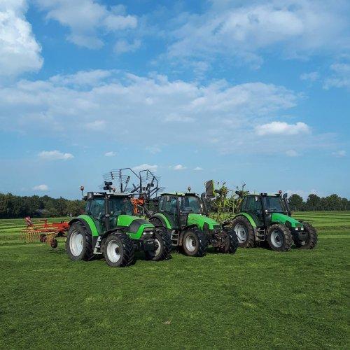 Foto van een Deutz-Fahr Meerdere. Geplaatst door tom-engelen op 25-10-2017 om 17:00:24, op TractorFan.nl - de nummer 1 tractor foto website.