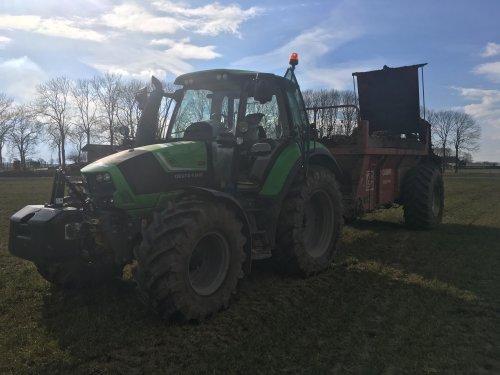 Stront smijten. Geplaatst door daan knol op 27-02-2018 om 16:56:06, op TractorFan.nl - de nummer 1 tractor foto website.