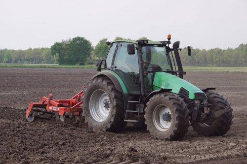 Foto van een Deutz-Fahr Agrotron 106. Geplaatst door jans-eising op 08-06-2018 om 21:33:03, op TractorFan.nl - de nummer 1 tractor foto website.
