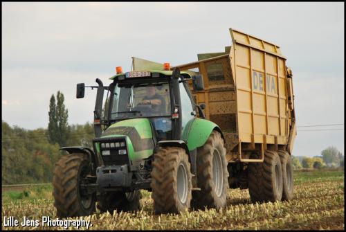Devenijn - Kruishoutem.. Geplaatst door Lille Jens op 31-07-2018 om 16:41:01, op TractorFan.nl - de nummer 1 tractor foto website.