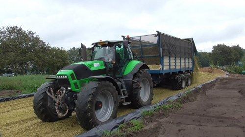 7 september 2018 - Mais hakselen met loonbedrijf Winkelhorst. Op de foto de Deutz-Fahr Agrotron X720 trekker met Kaweco Radium silagewagen! https://youtu.be/4HFEd8bSQjs