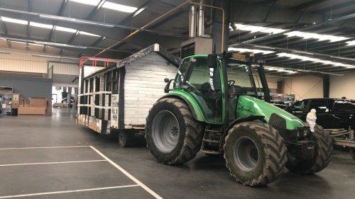 Foto van een Deutz-Fahr Agrotron 4.70. Nog wat klussen en dan kunnen we volgend weekend los!😂. Geplaatst door 645tt op 24-02-2019 om 20:10:01, op TractorFan.nl - de nummer 1 tractor foto website.