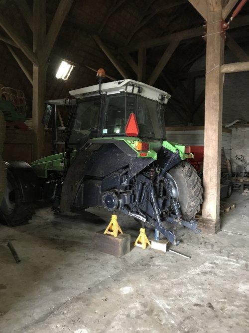 Foto van een Deutz-Fahr Agrostar 6.38, vastgeslagen achterrem.. Geplaatst door MulderDeutz1 op 27-04-2019 om 11:51:31, met 13 reacties.