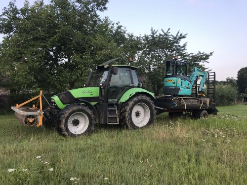 Foto van een Deutz-Fahr Agrotron 165.7 Tijdelijk frontgewicht/bumper 😂. Geplaatst door 645tt op 13-08-2019 om 19:25:10, op TractorFan.nl - de nummer 1 tractor foto website.