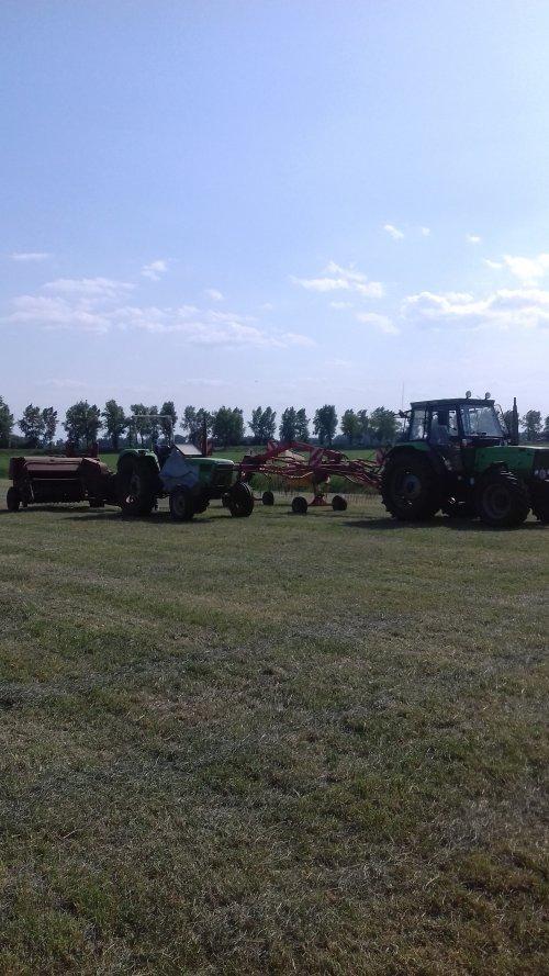 Foto van een Deutz-Fahr dx 3.90 en deutz d 6206. Geplaatst door mennodeutz op 04-09-2019 om 21:04:51, op TractorFan.nl - de nummer 1 tractor foto website.
