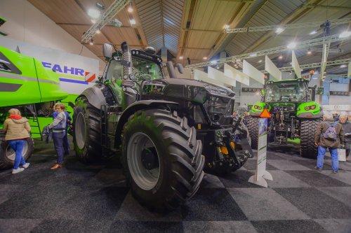 Foto van een Deutz-Fahr 9340 TTV op Agribex. Geplaatst door jd7920 op 09-12-2019 om 13:07:44, op TractorFan.nl - de nummer 1 tractor foto website.