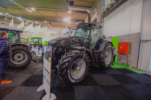 Foto van een Deutz-Fahr Agrotron 6175 op Agribex. Geplaatst door jd7920 op 09-12-2019 om 13:07:45, op TractorFan.nl - de nummer 1 tractor foto website.