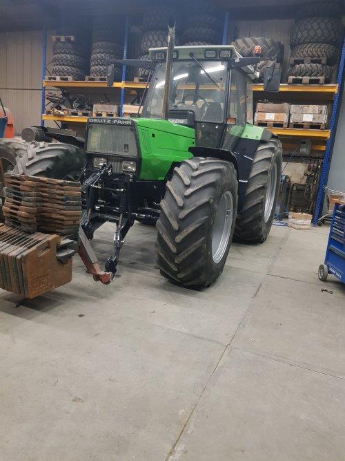 Foto van een Deutz-Fahr Agrostar 6.31 machtige machine van mn kamaraadt. Geplaatst door sjonnies op 16-12-2019 om 17:22:01, met 2 reacties.