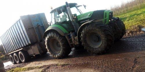 Foto van een Deutz-Fahr Agrotron TTV 7250. Vrachtje hout snippers rijden.. Geplaatst door NewHollandT6010 op 01-01-2020 om 20:20:54, op TractorFan.nl - de nummer 1 tractor foto website.