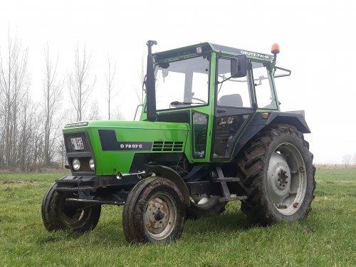 Foto van de tractor die het meeste uren werkt bij ons😀 Deutz Fahr D7207c.. Geplaatst door deutz d25s op 25-01-2020 om 20:07:18, met 7 reacties.
