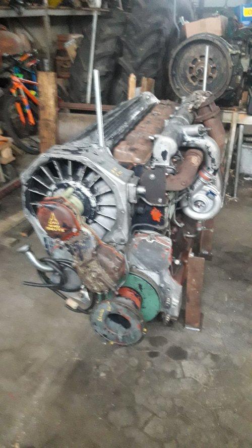 Der frisch zusammengebaute Motor des DX 8.30 wartet auf seinen Probelauf. Geplaatst door Florian Hommer op 26-01-2020 om 21:24:53, met 22 reacties.
