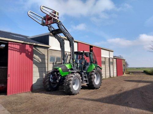 Foto van een Deutz-Fahr Agrotron TTV 620 Special.  Nadat we jaren(zie vorige foto profiel) met een agrostar 6.08 gereden te hebben, nu sinds begin maart zijn we eigenaar van een andere groene buffel. Eerste indruk is zeer goed