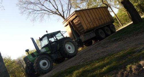 Foto van een Deutz-Fahr DX 6.30. dagje hout rijden. Geplaatst door NewHollandT6010 op 22-04-2020 om 20:38:35, met 2 reacties.