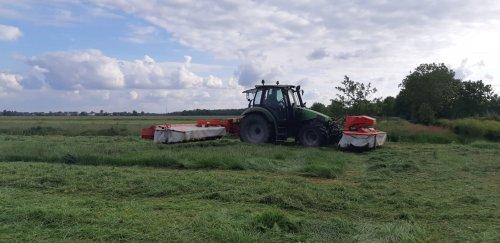 Foto van een Deutz-Fahr Agrotron. Geplaatst door Welgerap52 op 21-05-2020 om 12:06:46, op TractorFan.nl - de nummer 1 tractor foto website.