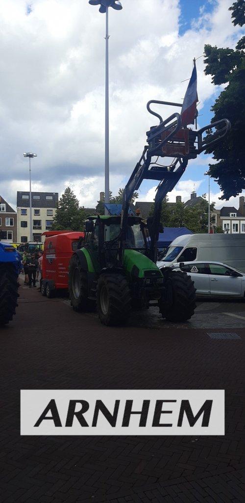 Foto van een Deutz-Fahr Agrotron 105 vandaag aanwezig geweest boerenprotest Arnhem en wageningen. Geplaatst door sjonnies op 07-07-2021 om 22:50:52, op TractorFan.nl - de nummer 1 tractor foto website.