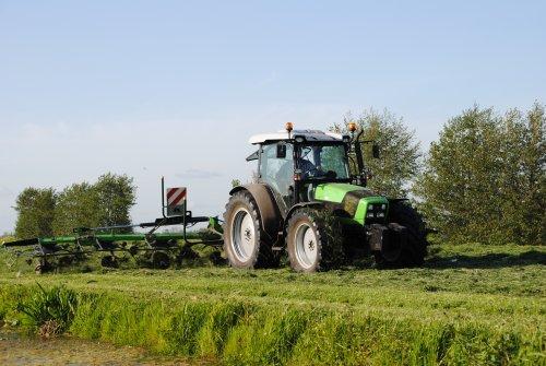Deutz-Fahr Agrofarm 430 van Johndeertjepowerr