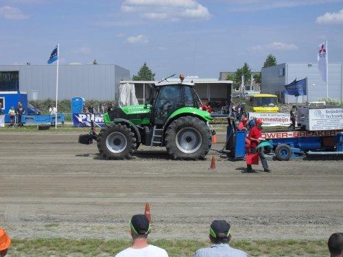 Koentje met de Deutz-Fahr Agrotron TTV 630. Geplaatst door Deutz-Power op 30-05-2010 om 17:39:56, met 4 reacties.