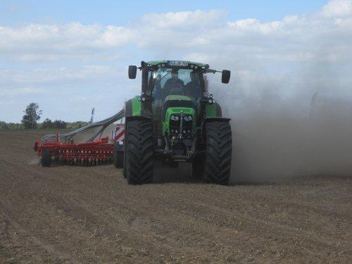 Deutz-Fahr Agrotron TTV 7.260 van RobDeutz104