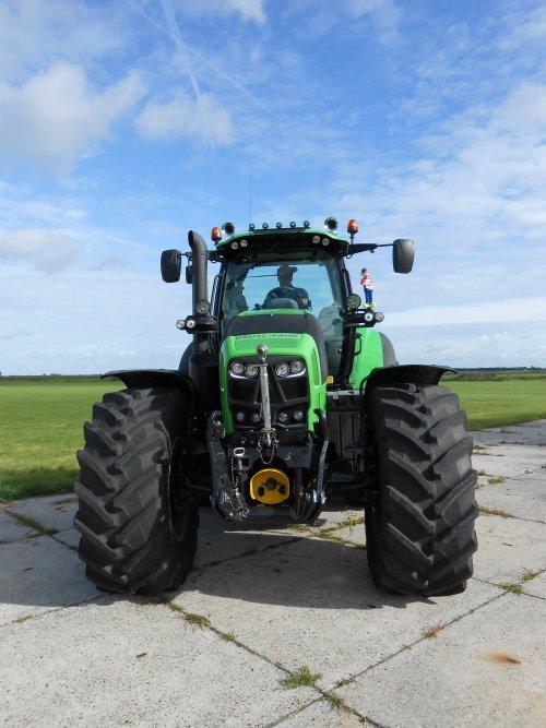 Foto van een Deutz-Fahr Agrotron TTV 7250. Afgelopen week afgeleverd door Landbouwsluis B.V.. Geplaatst door rosco91 op 29-09-2014 om 18:12:46, op TractorFan.nl - de nummer 1 tractor foto website.