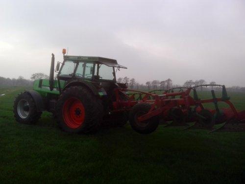 Foto van een Deutz-Fahr DX 6.50, bezig met poseren.. Geplaatst door tjerk-koetje op 03-03-2015 om 22:01:17, op TractorFan.nl - de nummer 1 tractor foto website.