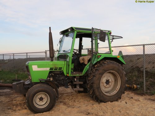 Foto van een Deutz-Fahr D 5207 C. Geplaatst door oldtimergek op 13-04-2016 om 16:05:08, op TractorFan.nl - de nummer 1 tractor foto website.