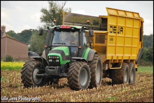 T'jampens - Vinderhoute.. Geplaatst door Lille Jens op 22-10-2020 om 09:34:53, op TractorFan.nl - de nummer 1 tractor foto website.