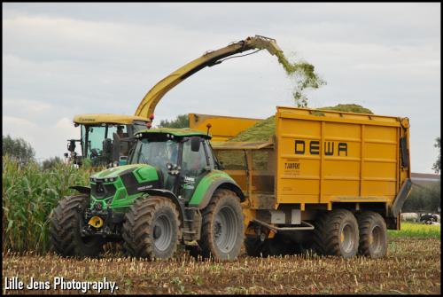 T'jampens - Vinderhoute.. Geplaatst door Lille Jens op 22-10-2020 om 09:36:01, op TractorFan.nl - de nummer 1 tractor foto website.