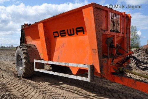 Dewa meststrooier, type BS, 13 ton MTM.. Geplaatst door Mick Jaguar op 10-04-2013 om 20:38:28, op TractorFan.nl - de nummer 1 tractor foto website.