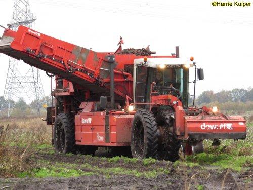 Foto van een Dewulf RS3060. Geplaatst door oldtimergek op 25-11-2019 om 22:07:44, op TractorFan.nl - de nummer 1 tractor foto website.