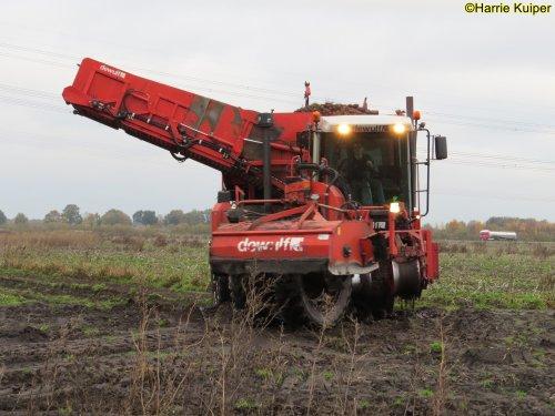 Foto van een Dewulf RS3060. Geplaatst door oldtimergek op 25-11-2019 om 22:07:47, op TractorFan.nl - de nummer 1 tractor foto website.