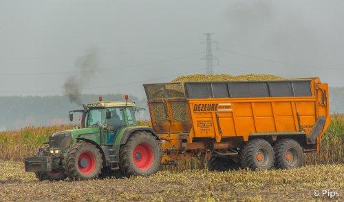 Een doempende Fendt met een silocruiser, kan het mooier :-). Geplaatst door pips op 07-01-2017 om 14:53:40, op TractorFan.nl - de nummer 1 tractor foto website.