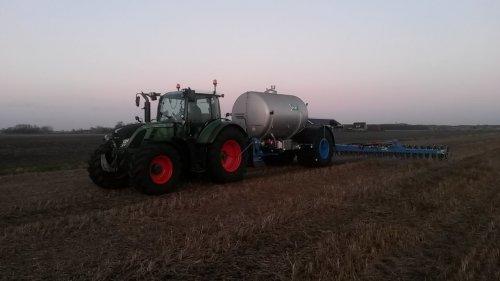 Duport Liquiliser, 8500 liter tank  in combinatie met een 12 meter bemester. Geplaatst door moarten op 14-03-2015 om 19:51:46, op TractorFan.nl - de nummer 1 tractor foto website.