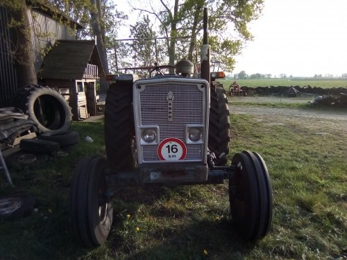 Foto van een Ebro E60. Geplaatst door Ebroman op 27-04-2020 om 23:04:33, op TractorFan.nl - de nummer 1 tractor foto website.