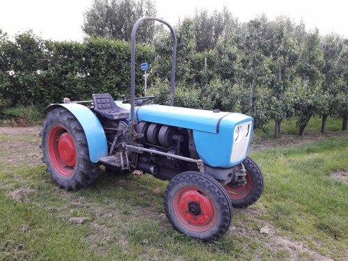 Foto van een Eicher 3711/3712. Geplaatst door marcel-pek op 16-06-2019 om 13:18:31, op TractorFan.nl - de nummer 1 tractor foto website.