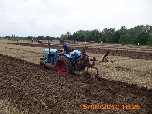 Foto van een Eicher Smalspoor. Geplaatst door bart-verbeek op 05-04-2020 om 15:28:17, op TractorFan.nl - de nummer 1 tractor foto website.