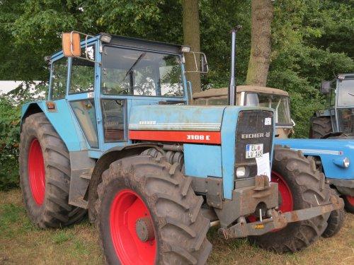 Foto van een Eicher 3108, bezig met poseren.. Geplaatst door oldtimergek op 16-06-2015 om 22:35:14, op TractorFan.nl - de nummer 1 tractor foto website.