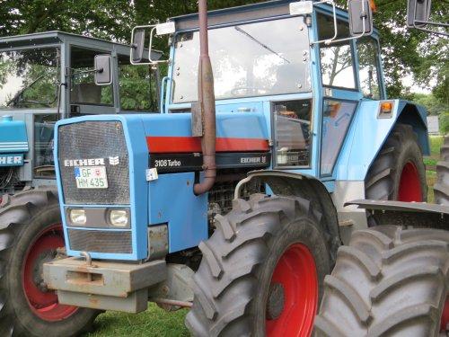 Foto van een Eicher 3108, bezig met poseren.. Geplaatst door oldtimergek op 16-06-2015 om 22:35:16, op TractorFan.nl - de nummer 1 tractor foto website.