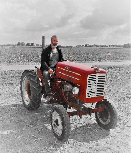 Foto van een Energic 511, foto gemaakt door Anne Millon, tijdens de oldtimerrondrit op de opendeurdag van het landbouw mechanisatie bedrijf Millon